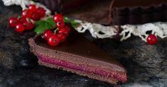 Punaherukka-suklaatorttu! Finnish Recipes, Food And Drink, Desserts, Tailgate Desserts, Deserts, Postres, Dessert, Plated Desserts