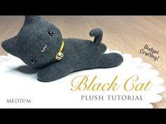 Black Cat Plush Tutorial - DIY project with black socks! Sock Bunny, Bunny Plush, Sock Crafts, Cat Crafts, Diy Jouet Pour Chat, Diy Cat Toys, Sock Dolls, Plush Pattern, Sock Animals