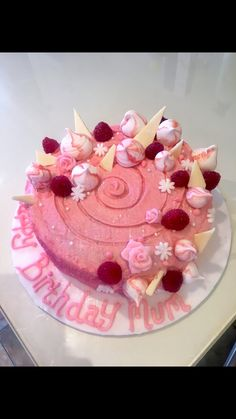 Raspberry and white chocolate cake recipe and decoration ideas, using fondant roses and meringue kisses Fondant Rose, Fondant Flowers, Fondant Cakes, White Chocolate Cake, White Chocolate Raspberry, Kisses Recipe, Longest Recipe, Meringue Kisses, Edible Glitter