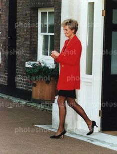 October 4, 1994: Princess Diana at Kensington Palace attending the launch of the East Africa Odyssey Expedition which will involve members of her own royal regiment, the 1st Battalion The Princess of Wales', of which she is colonel-in-chief. The regiment will take eight young disadvantaged teenagers on a visit to Samburu land and Turkana, which is hoped will give them a new purpose in life, as five of the group come from hostels run by 'Centrepoint' of which Diana is patron.