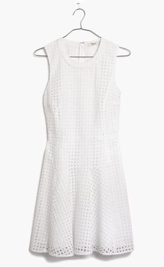 I've always been a fan of eyelet lace and have always wanted a dress that is eyelet lace!