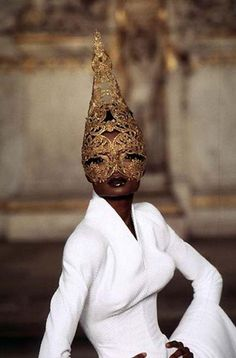 Debra Shaw @ Givenchy Haute Couture S/S 97 by Alexander McQueen
