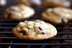 chewy AND crunchy chocolate chip cookies