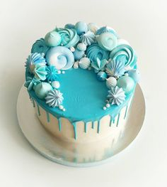 Save by Hermie Pretty Cakes, Cute Cakes, Beautiful Cakes, Yummy Cakes, Amazing Cakes, Candy Cakes, Cupcake Cakes, Teal Cake, Gateaux Cake