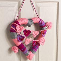 Red Heart Super Saver Heart Wreath #craft #valentine #heart #crochet #pattern