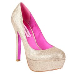 Keep your head high and your heels higher. Love the nude pump by betsey!