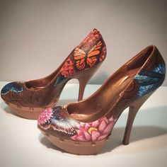 Hey, I found this really awesome Etsy listing at https://www.etsy.com/listing/218628772/secret-garden-hand-painted-shoes