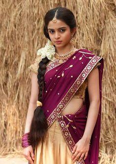 Colourful Indians: Sheena Shahabadi in Half Saree Pics Actress Beautiful Girl In India, Most Beautiful Indian Actress, Beautiful Saree, Indian Beauty Saree, Indian Sarees, Indian Hair, Sheena Shahabadi, South Indian Actress Photo, India Fashion Week