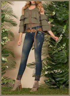 vuelos y voleros nuevas tendencias. Teen Fashion Outfits, Chic Outfits, Girl Fashion, Fashion Dresses, Womens Fashion, Mode Hijab, Sexy Jeans, Blouse Styles, Casual Wear