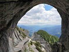 Looking for some of the best places to visit in Austria in summer? Here's a detailed itinerary for an road trip along Austrian mountains and cities. Cool Places To Visit, Places To Go, Austria, The Good Place, Countries, Vacations, Beautiful Places, Road Trip, Wanderlust