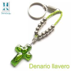 souvenirs denarios llaveros vitrofusion comunion bautismos Diy Jewelry, Handmade Jewelry, Jewelry Making, Confirmation Gifts, Rosary Catholic, Key Rings, Handmade Crafts, Fused Glass, Glass Art