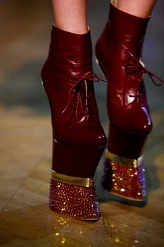 3. funky shoes for Lisa. Jantaminiau    Fall 2012  NO WAY! I love this color they remind me of a reindeer hoof
