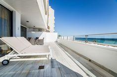 Lyxobjekt: Fanstastisk våning ett stenkast från stranden, Molinar