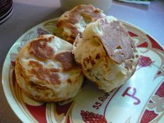 Muffins anglais maison Pancakes, Breakfast, Food, English Muffins, Home, Morning Coffee, Crepes, Griddle Cakes, Meals