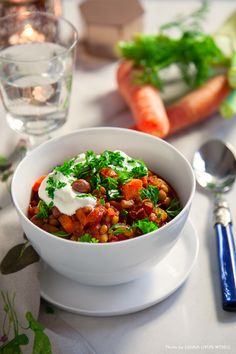 Smoky Italian lentils and bean stew with sour cream and parsley. Baby Food Recipes, Snack Recipes, Dessert Recipes, Vegetarian Recipes, Healthy Recipes, Bean Stew, Chana Masala, Lentils, Food Styling