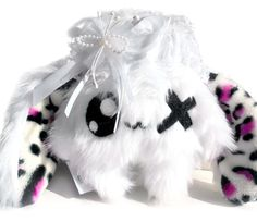 Fluse Kawaii Plush Cute one Eyed Rabbit Lilly white von Fluse123