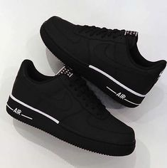 Women shoes With Jeans Street Styles - Comfortable Women shoes Winter - Women shoes Sneakers Nike - - Designer Women shoes Fashion Designers Tenis Nike Air, Nike Air Shoes, Nike Af1, Nike Shoes Outfits, Nike Casual Shoes, Nike Footwear, Nike Clothes, Shoes Sport, Nike Free Shoes