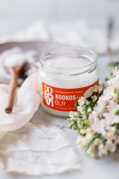 Vinkkejä kookosöljyn käyttöön Homemade Body Butter, Few Ingredients, Naturally Beautiful, Organic Beauty, Diy Projects To Try, Coconut Oil, Almond, Health Fitness, Healthy