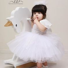 Cute Boy Pic, Cute Kids Photos, Cute Little Baby Girl, Cute Baby Girl Pictures, Cute Little Girls Outfits, Baby Girl Photos, Baby Girls, Cute Baby Girl Wallpaper, Cute Baby Dresses