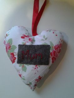 Door hanging heart with embroidered mum patch