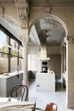 Neoclásico en el Eixample barcelonés | Revista Interiores. Ideas de decoración de interiores.