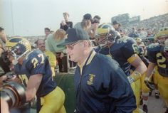Bo Schembechler walks with his team at the 1990 Rose Bowl. (David Coates / The Detroit News) Detroit Sports, Detroit News, Bo Schembechler, University Of Michigan, Go Blue, Wolverines, College Football, Rose Bowl, Wolves