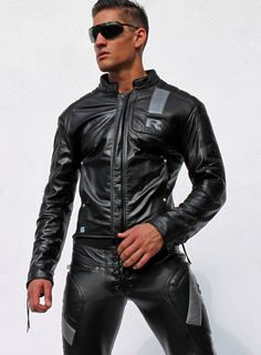 The Sexy Men Chronicles Mens Leather Pants, Tight Leather Pants, Leather Fashion, Mens Fashion, Bike Leathers, Leder Outfits, Hommes Sexy, Hairy Men, Hot Guys