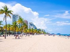 Spring is the time when travelers want to escape the cold and relax in warm-weather destinations.Kayak recently released its list of the top 10 US destinations for spring breakers this year, based on the greatest increases in search for trips between March 1 and April 30 of last year.Florida and Cali