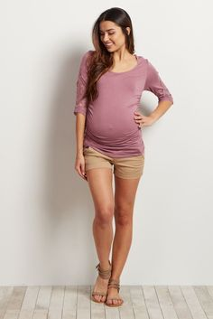 It's time to bring out the shorts as the weather heats up for summer. Pair these solid, versatile maternity shorts with any casual look to keep cool and comfortable in style. Thanks to the elastic waistband, this maternity short will accommodate your growing bump through every stage of pregnancy so you can feel and look amazing day to night.