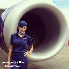 Que arraso! Comissária Andressa esbanjando elegância. Sucesso ❤✈ #crewlife #future #flightattendant #aeromoças #aeromoça #comissáriadebordo #azulinhasaereas #stewardess #fly #revistatripulante #aero #tripulantes #aviacaocms #comissariasdevoo #azul #blueangel #voeazul #cabincrew