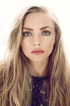 - Natural look - Matte pink lips - Slight contour