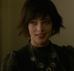 Alice Cullen media gallery on Coolspotters. See photos, videos, and links of Alice Cullen. Alice Cullen, Edward Cullen, Alice Twilight, Twilight Cast, Twilight Pictures, Pretty People, Beautiful People, Beautiful Body, Alice And Jasper