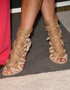 Kylie Jenner Photos Photos - TV personality Kylie Jenner, shoe detail, attends the 2015 MTV Video Music Awards at Microsoft Theater on August 30, 2015 in Los Angeles, California. - 2015 MTV Video Music Awards - Arrivals