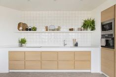 Inside-Out: the most of all seasons can be made at this Barcelona tourist apartment designed with the Mediterranean climate in mind. Kitchen Room Design, Home Decor Kitchen, Kitchen Living, Interior Design Kitchen, Kitchen Ideas, Muji Style, Floating Shelves Kitchen, Doll Home, Apartment Design