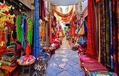 Alcaiceria, the great bazaar of Alhambra, Spain #trivo