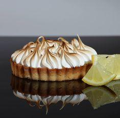 Tarta cu lamaie este de multe ori alegerea desertului de dupa cina fiindca este socotita a fi printre cele mai usoare dulciuri din orice meniu
