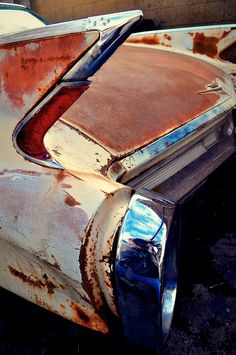 1960 Cadillac Maintenance/restoration of old/vintage vehicles: the material for… Vintage Trucks, Old Trucks, Rat Rods, Junkyard Cars, Pompe A Essence, Rust Never Sleeps, Rust In Peace, Abandoned Cars, Abandoned Places
