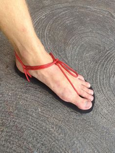 Paracord Sandals #550paracord #550cord #parachutecord #paracord #cord #footwear #sandals #shoes #knots #project #DIY #craft #crafting #survival