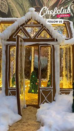 Christmas Goodies, Christmas Desserts, Christmas Treats, Christmas Baking, All Things Christmas, Christmas Holidays, Holiday Fun, Gingerbread House Designs, Christmas Gingerbread House