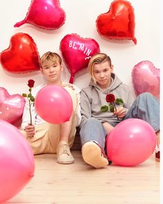 Happy Valentine's day 😍❤ be my Valentine pls😂🙏 valentines happy_valentines_day marcusandmartinus mmers be_my_valentine iloveyou Marcus Y Martinus, Dream Boyfriend, Twin Brothers, Tumblr Boys, Beautiful Person, Cute Guys, Happy Valentines Day, Boy Bands, Have Fun