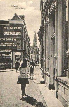 De Donkersteeg, 20er jaren Holland, Good Old Times, Leiden, Vintage Photography, Amsterdam, History, City, Capri, Nostalgia