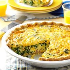I love quiche and wanted to make something that incorporates my Southern roots, so I came up with this version. With eggs, cheese, ham and nutritious collards, Keto Quiche, Quiche Recipes, Cheese Quiche, Ham Quiche, Broccoli Quiche, Breakfast Quiche, Breakfast Dishes, Breakfast Recipes, Breakfast Ideas
