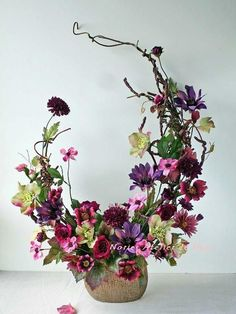 Valentine Flower Arrangements, Creative Flower Arrangements, Flower Arrangement Designs, Ikebana Flower Arrangement, Church Flower Arrangements, Beautiful Flower Arrangements, Flower Centerpieces, Flower Decorations, Floral Arrangements