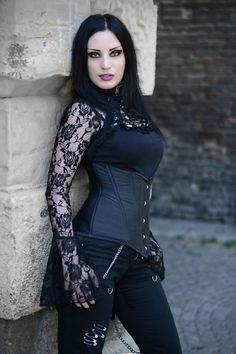 Gothic and Amazing — Model: Kali Noir Diamond Photo: Vanic Photography. Punk Girls, Gothic Girls, Hot Goth Girls, Goth Beauty, Dark Beauty, Victorian Fashion, Gothic Fashion, Victorian Gothic, Goth Chic
