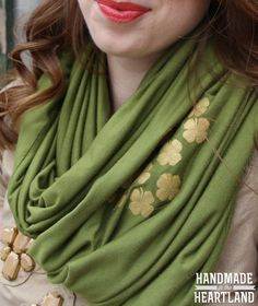 How to make an infinity scarf and add some shamrocks to it for St. Patricks day! www.handmadeintheheartland.com