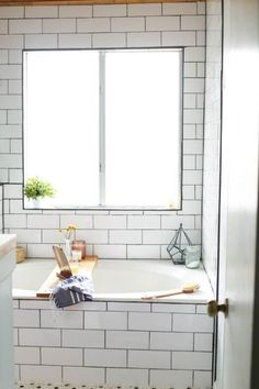 A quick and simple DIY wooden bathtub tray and iPad holder. An easy, modern project that will look amazing in your bathroom! Wooden Bathtub, Diy Bathtub, Bathtub Tray, Blogger Home, Ipad Holder, Best Places To Live, Summer Diy, Easy Diy, Simple Diy