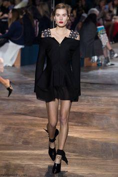 Christian Dior spring/summer 2016 Haute Couture. #dior #hautecouture