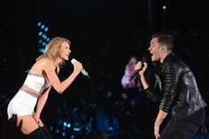 Taylor Swift and Andy Grammer- Honey I'm good- Suprise Guest - 1989 Tour- Chicago- July 18, 2015