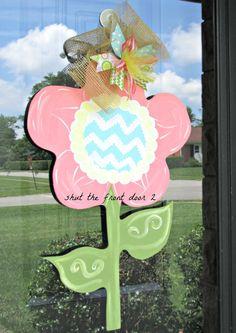 Items similar to Summer flower door hanger, wooden door hanger on Etsy Burlap Art, Painting Burlap, Painted Wooden Signs, Wooden Decor, Metal Crafts, Wood Crafts, Diy Crafts, Burlap Door Hangers, Diy Cutting Board