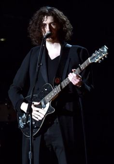 2015 Grammy Awards Hozier...Take Me To Church song